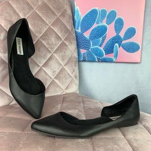 Steven madden black pointed side cut out flats 8.5
